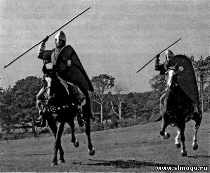 конный воин с щитом